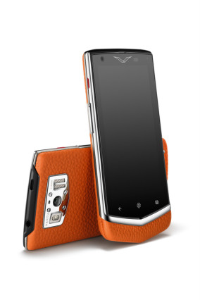 Constellation Orange Vertu 4900€