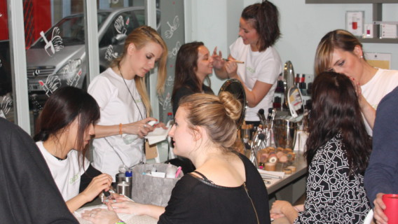 GlossUp Beauty Bar - Acer Girly Party